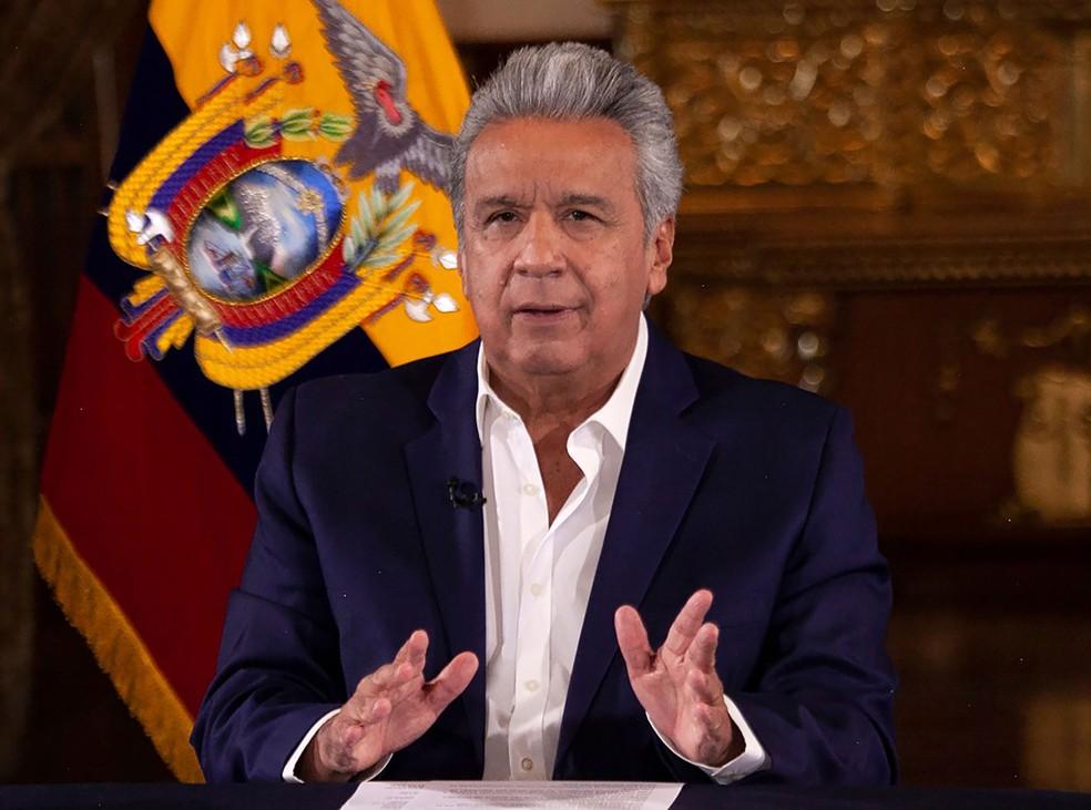 Avião do presidente do Equador faz pouso de emergência em Washington