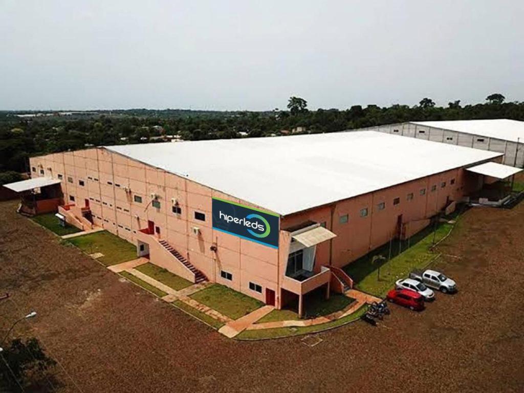 Hiperleds: a maior fábrica de luminárias com mais de 800 itens no catálogo Completo