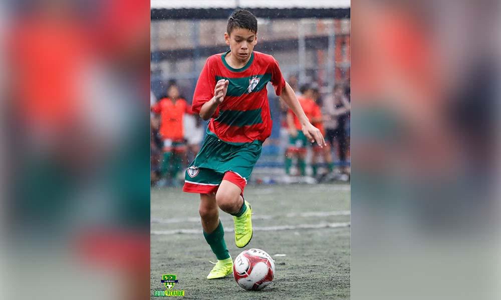 Jogador de 13 anos desperta interesse de diversos clubes do país
