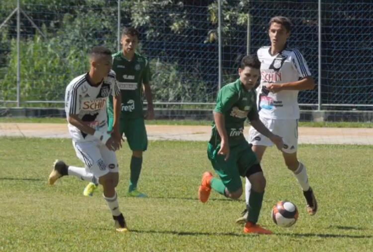 Ex-jogador do Nacional, de São Paulo, está prestes a assinar contrato com outro clube